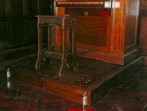 The Mobile Plinth with the Chamber Organ